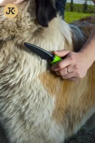 JK ANIMALS Hrebeň pre psov hustý 42 rotačných hrotov   © copyright jk animals, všechna práva vyhrazena